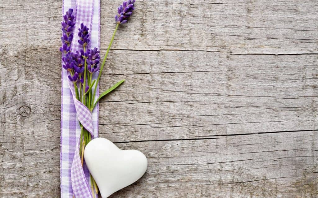 Scent your bedroom with lavender