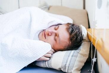 sleeping naked is cold(drawbacks)